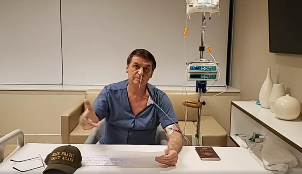 Bolsonaro faz live no hospital em SP — Foto: Reprodução/Facebook