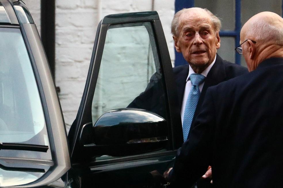 Príncipe Philip, marido da rainha Elizabeth, deixa hospital em Londres — Foto:  REUTERS/Hannah McKay