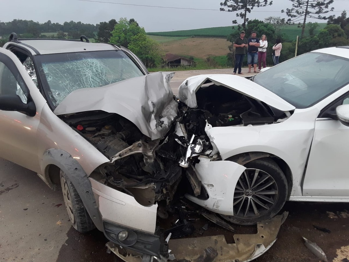 Acidente deixa 3 mortos e 2 feridos na SC-110, em Ituporanga - G1
