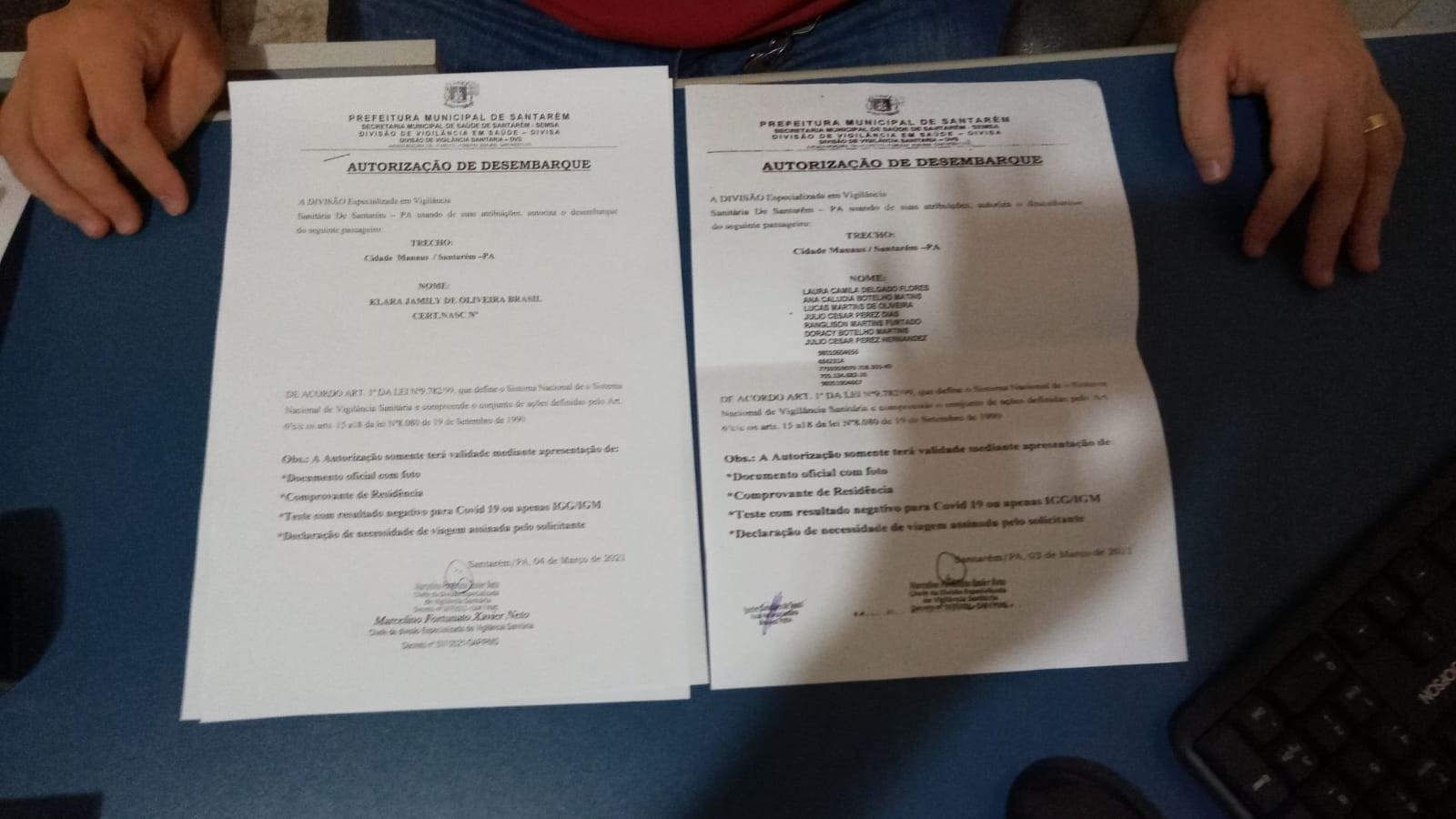 Pessoas portando falsa permissão para viajar são levadas para delegacia de Santarém após serem flagradas em embarcação