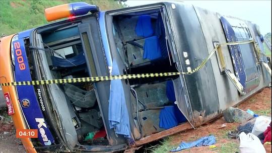 Sacoleiros ficam feridos em acidente de ônibus na rodovia Castelo Branco em SP
