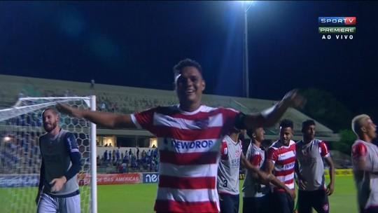 Thiago Humberto celebra gol, vitória e permanência do Linense no Paulistão