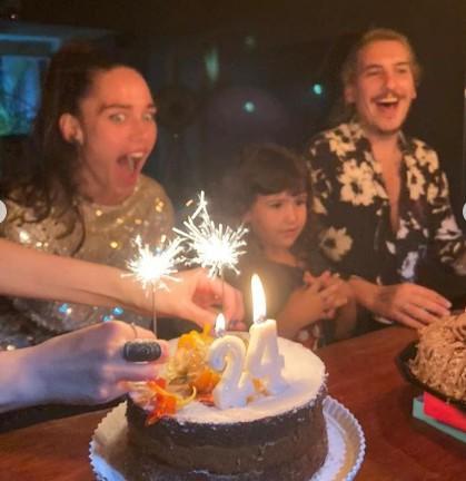 Rhay Polster comemorando os 24 anos com o namorado, Caio Sóh (Foto: Reprodução/Instagram)
