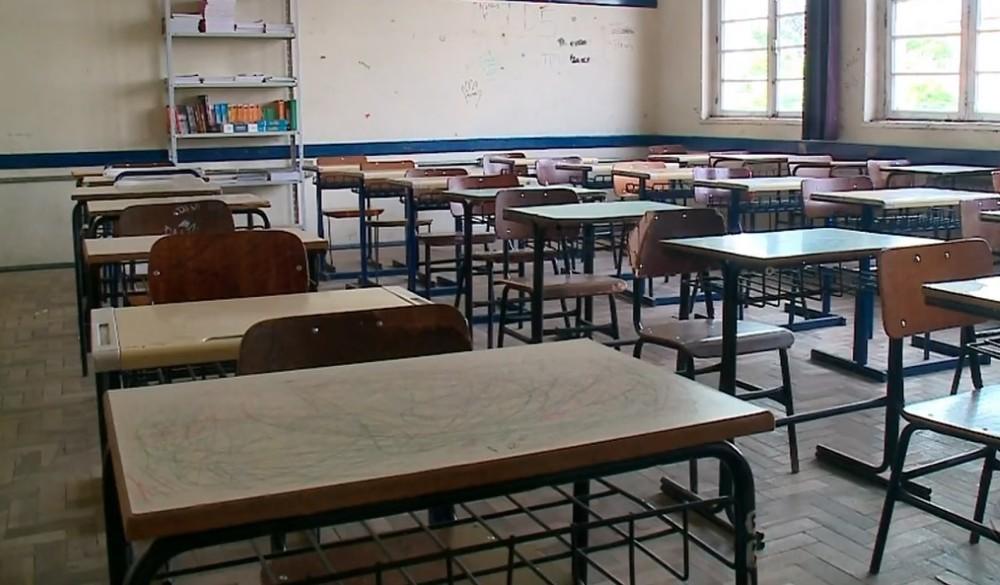 Governo do RS decide tornar obrigatório retorno presencial às escolas, mas não divulga a data