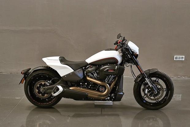 Harley-Davidson FXDR 114 tem design inspirado nas motos de arrancada (Foto: Rodrigo Marques/Autoesporte)