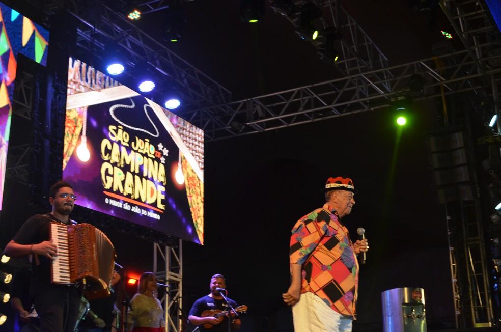 Genival Lacerda também fez show na abertura do São João 2019 de Campina Grande — Foto: Iara Alves/G1