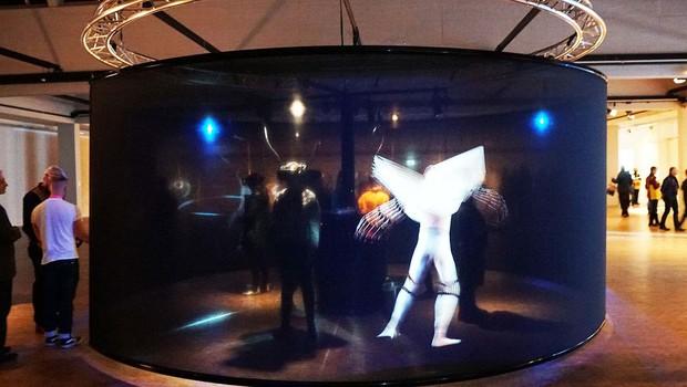Obra Das Totale Tanz Theater, do Interactive Media Foundation & Artificial Rome na FILE deste ano.  (Foto: Divulgação)