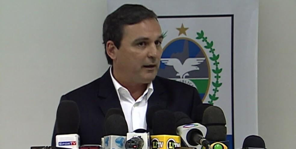 Régis Fichtner, ex-chefe da Casa Civil do governo Cabral, é um dos alvos da Lava Jato no Rio nesta quinta (23). (Foto: Reprodução/ TV Globo)