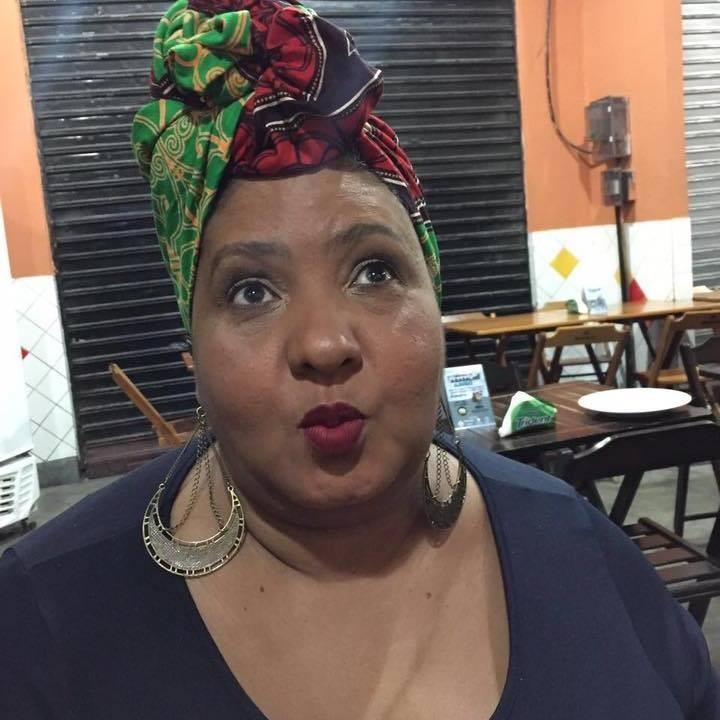 Luiza Souza, a Musa das Panelas, do Bar da Gema