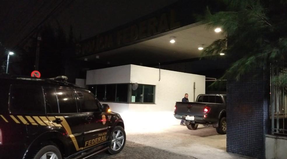 Outros participantes do grupo criminosos foram presos e enviados para a sede da Polícia Federal no Bairro de Fátima. — Foto: Ricardo Mota/TV Diário