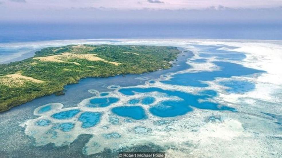 'Moedas' foram extraídas das pedreiras da ilha vizinha de Palau, localizada a 400 km (Foto: Robert Michael Poole)