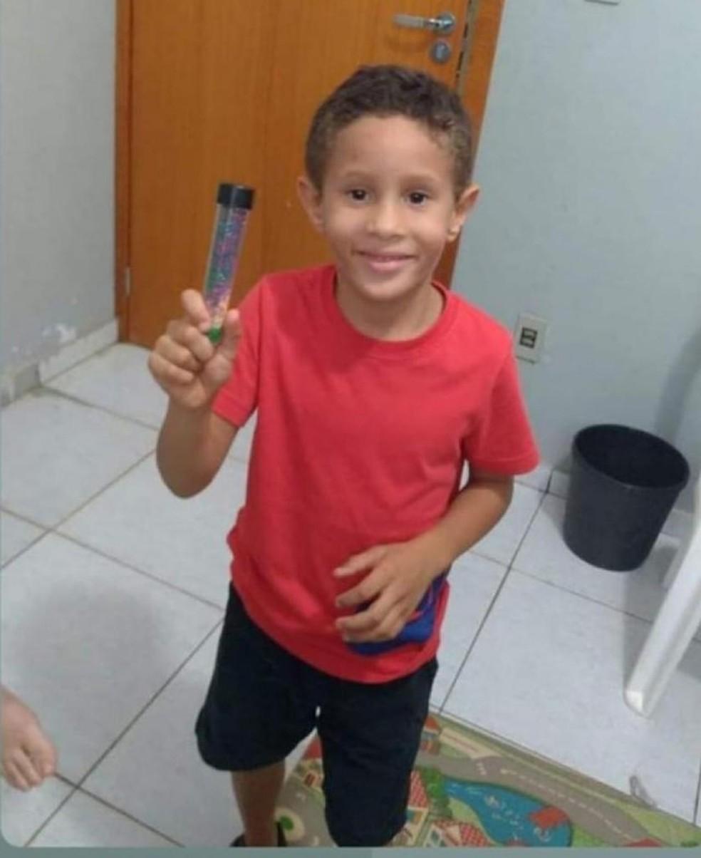 Samuel, de 7 anos, despareceu no domingo (20) — Foto: Arquivo pessoal