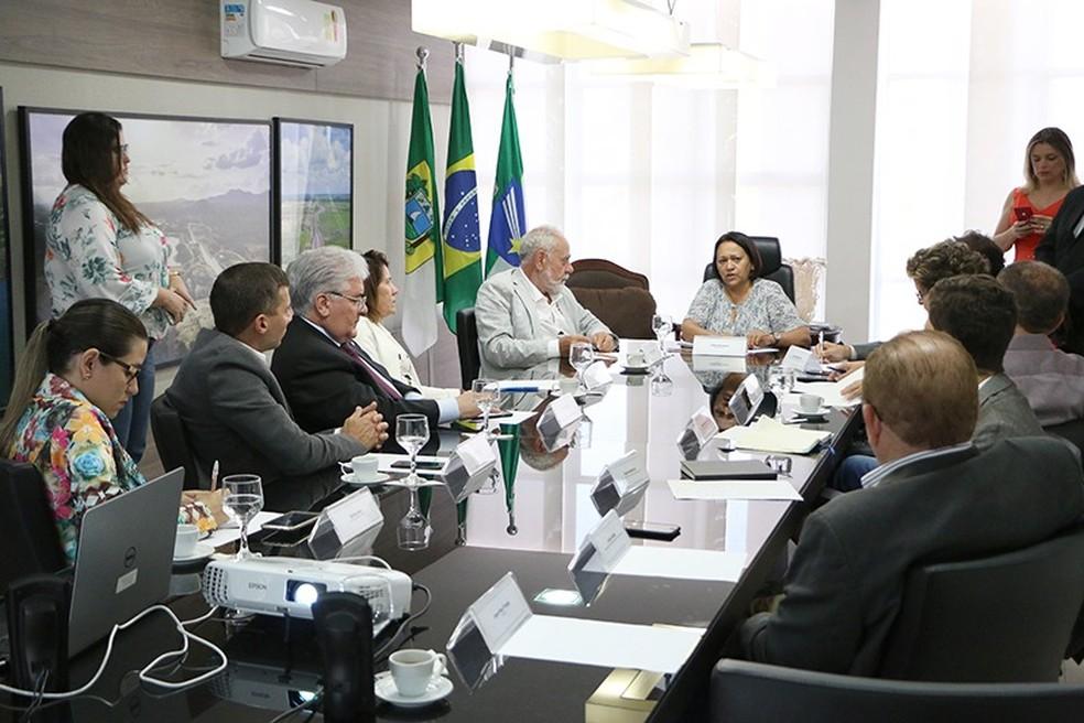 Reunião entre as equipes do Executivo e do Instituto Campus Party para discutir realização do evento no RN — Foto: Demis Roussos/Secom