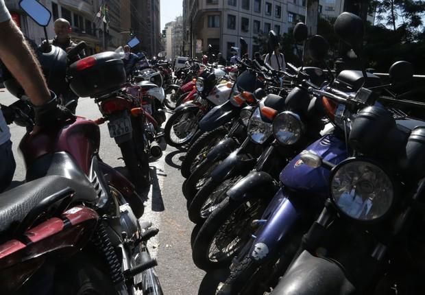 Motos estacionadas na região central de São Paulo ; transporte ; moto ;  (Foto: Paulo Pinto/Fotos Públicas)