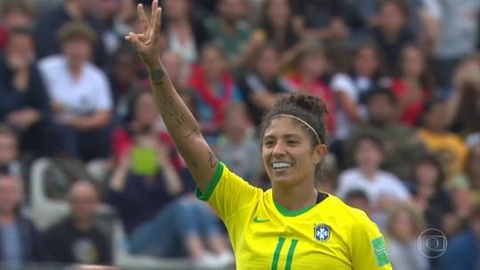 Com três gols de Cristiane, Brasil estreia com vitória na Copa do Mundo feminina