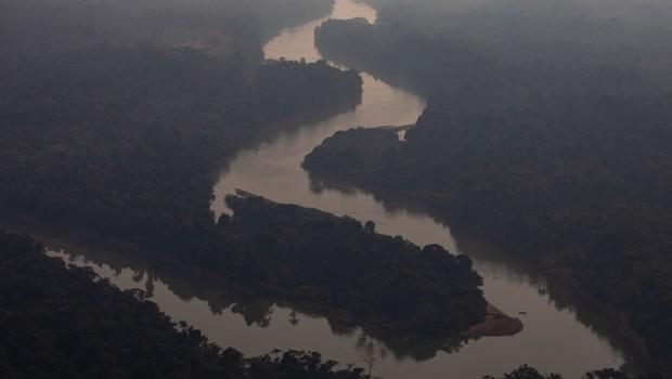 Queimadas, amazônia, fogo na região de Candeias do Jamari, perto de Porto Velho (Foto: Victor Moriyama/Getty Images)