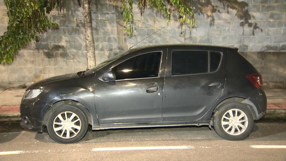 Suspeitos de tráfico são presos com cocaína pura em Vitória — Foto: Reprodução/ TV Gazeta