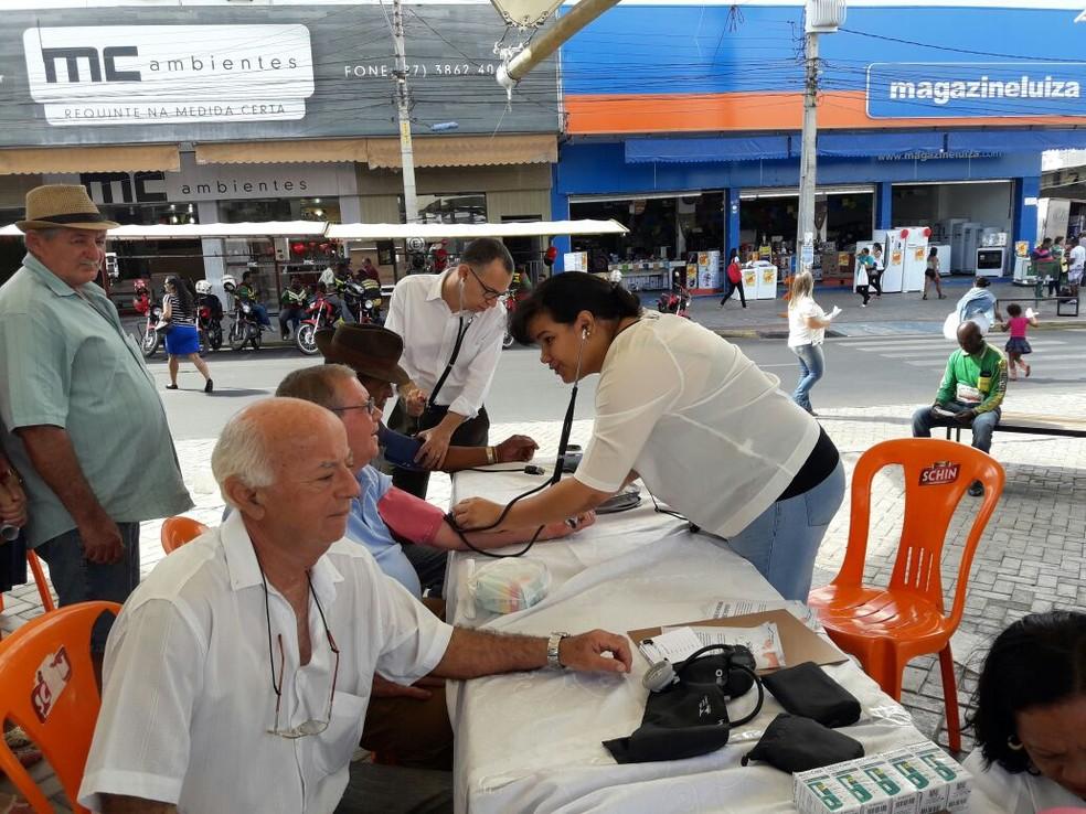 No local, foram oferecidos serviços gratuitos à população. (Foto: Ascom Simepe)