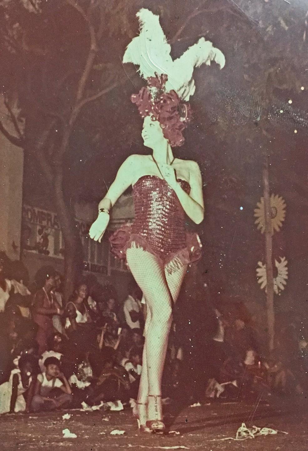Waldirene no Carnaval, na década de 1970 (Foto: Arquivo Pessoal)