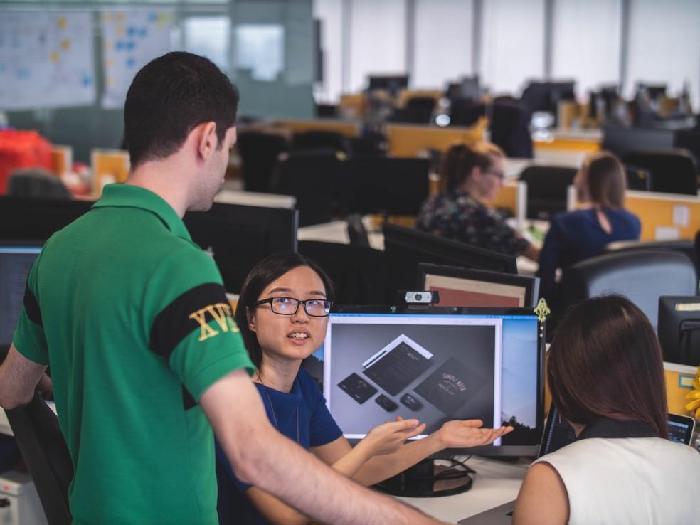 Novos profissionais estão entrando no mercado com remunerações menores — Foto: Unsplash