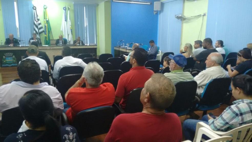 Sessão votou a cassção de vereador de Guapiara nesta quarta-feira (17) (Foto: Adolfo Lima/TV TEM)