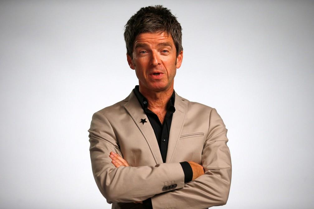 Noel Gallagher posa para uma foto antes de cerimônia no Hammersmith Apollo, em Londres, na Inglaterra — Foto: Henry Nicholls/Reuters