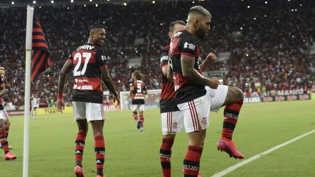 Gabigol imita dancinha de Babu na comemoração do gol