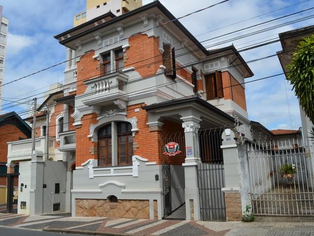 Suspeito de 22 anos é detido por agredir companheira de 15 anos e amiga em Piracicaba - Radio Evangelho Gospel