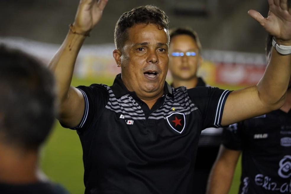 Evaristo Piza assume o comando do América-RN para a temporada 2021 — Foto: Paulo Cavalcanti / Botafogo-PB