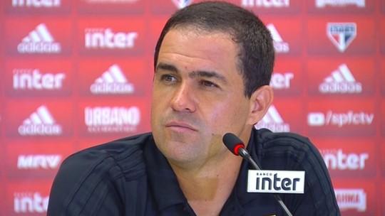 """Jardine destaca bola aérea do São Paulo e fala em """"dor de cabeça boa"""" com Nenê"""