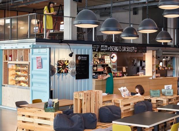 Restaurante aberto do albergue  (Foto: Reprodução Kinzo)