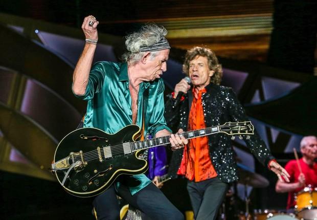 O guitarrista Keith Richards e o vocalista Mick Jagger, dos Rolling Stones (Foto: Reprodução/Facebook)