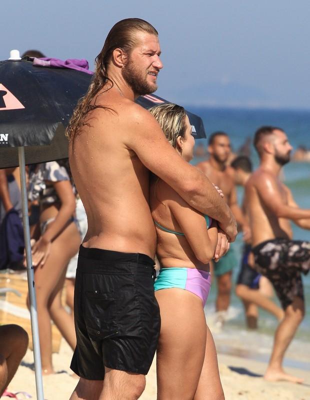 Diego Alemao und seine Freundin Andressa Malocelli (Foto: Fabricio Silva/AgNews)