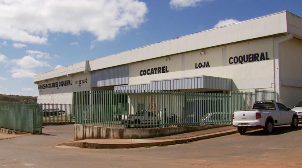 Para evitar roubo, cooperativas investem em pontos de coleta e recolhem café das propriedades no Sul de Minas (Foto: Reprodução/EPTV)
