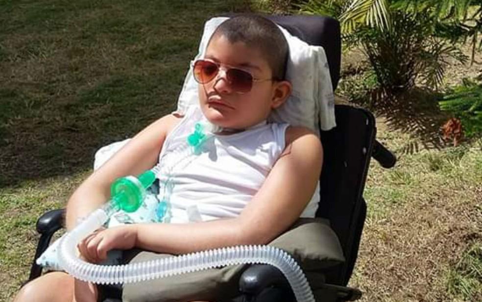 Gustavo tem paralisia cerebral  — Foto: Arquivo Pessoal