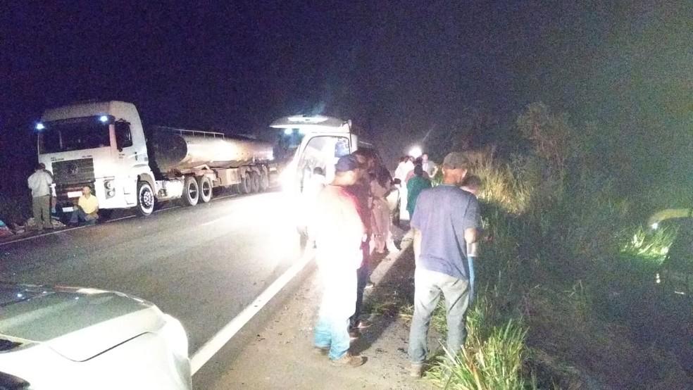 Local do acidente de ônibus na BR-364 — Foto: WhatsApp/Reprodução