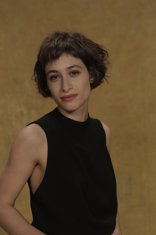 Luisa Arraes cortou o cabelo para viver Manuela na trama  (Foto: Raphael Dias/Gshow)
