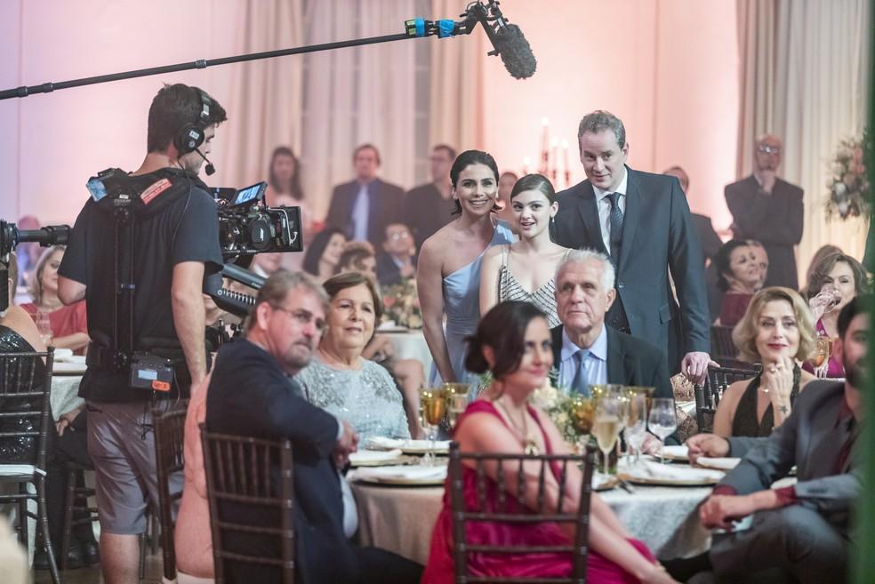 Bastidores das gravações de 'Filhas de Eva' conta com família de Lívia reunida: a filha, Dora (Débora Ozório) e o marido, Kleber (Dan Stulbach).  — Foto: Globo/Paulo Belote