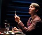 Mads Mikkelsen como Hannibal Lecter da série 'Hannibal', da NBC | Divulgação