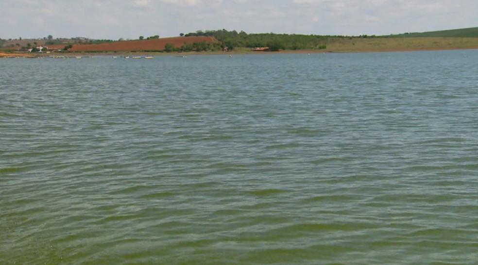 Lago de Furnas atingiu cota desejada por associação, que alerta que a luta agora é para mantê-la — Foto: Reprodução/EPTV