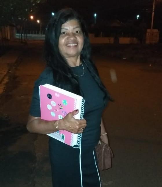 Aos 62 anos, professora aposentada volta para sala de aula como universitária: 'Educação transforma' - Notícias - Plantão Diário