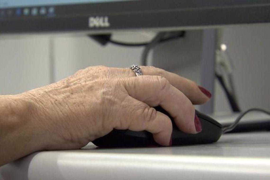 Projeto desenvolve jogos de computador para estimular a cognição entre idosos (Foto: Reprodução TV Brasil)
