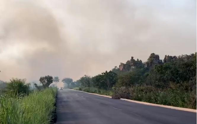 ICMbio faz queimas prescritas para prevenir incêndios florestais em Chapada dos Guimarães (MT)