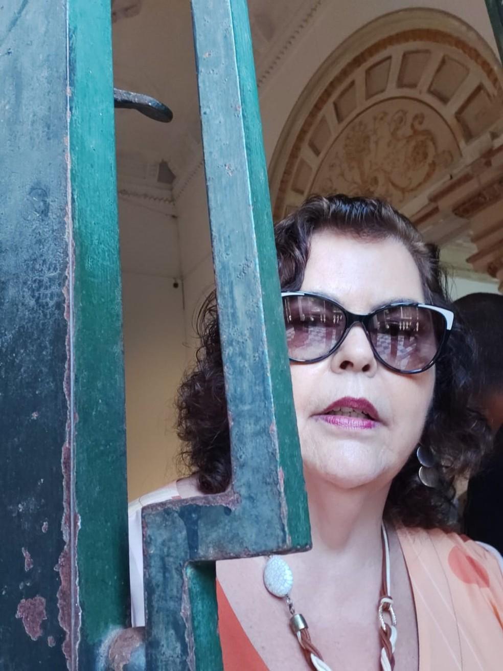 Servidora pública do Tribunal Regional do Trabalho,Ana Margarida Pereira Pinto, de 67 anos, continuou trabalhando em casa após epidemia do novo coronavírus — Foto: Arquivo pessoal