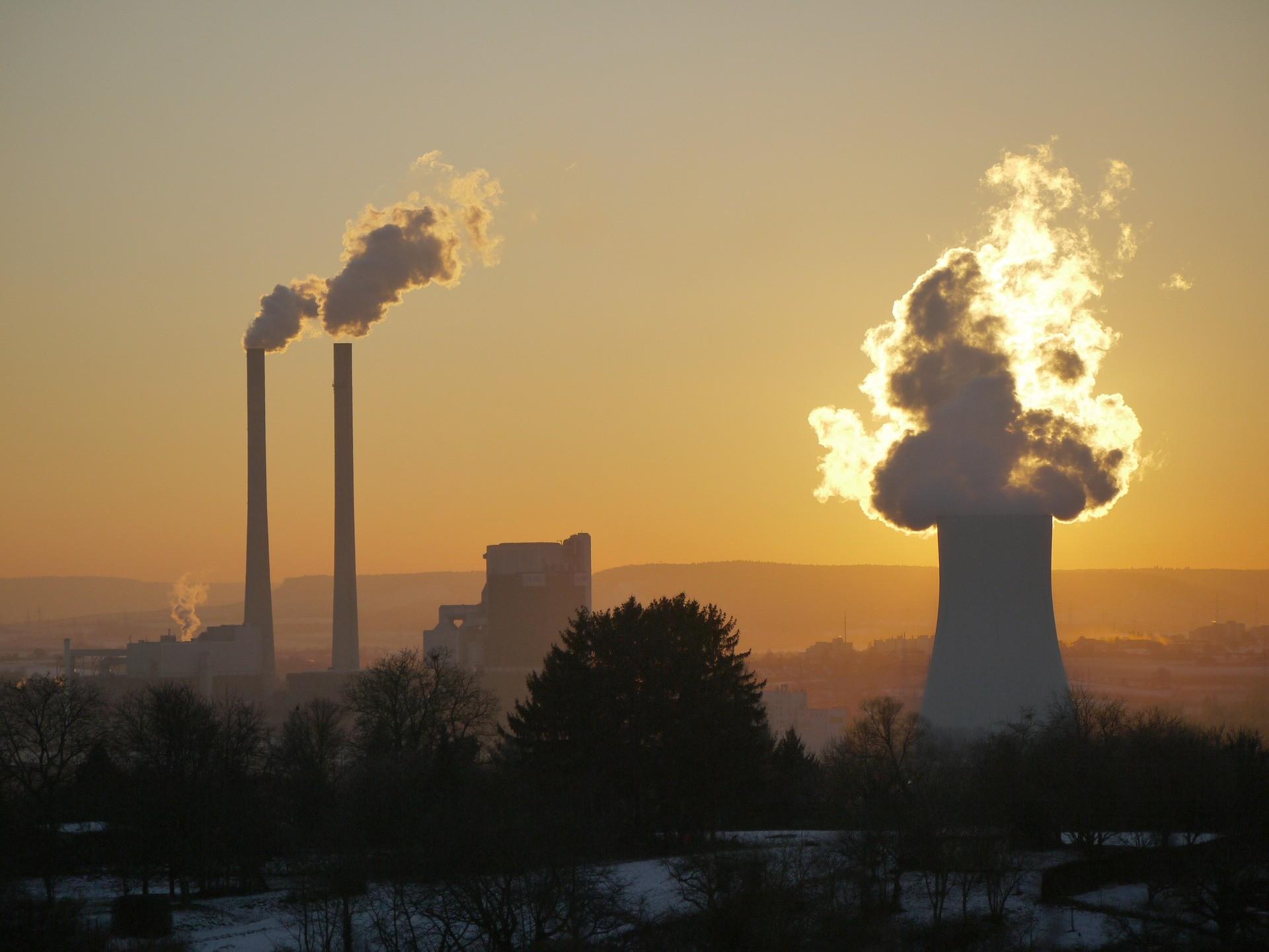 Acabar com a queima de carvão mineral para a produção de energia elétrica é uma das mais importantes medidas para conter o aquecimento global. (Foto: Creative Commons / MonikaP)