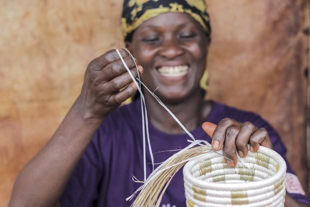 WomenCraft: iniciativa capacita mulheres refugiadas a desenvolver objetos para a casa