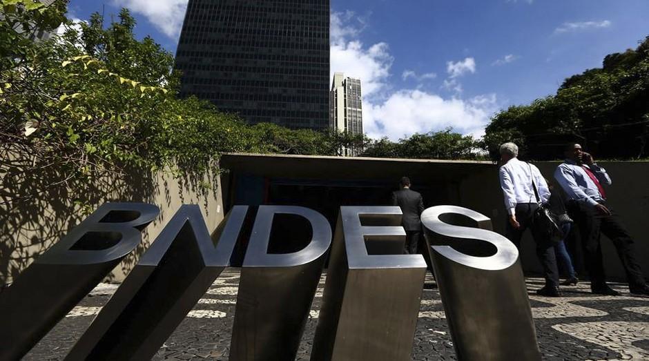 Sem recursos do Tesouro, BNDES terá de recorrer mais ao mercado (Foto: Estadão Conteúdo)
