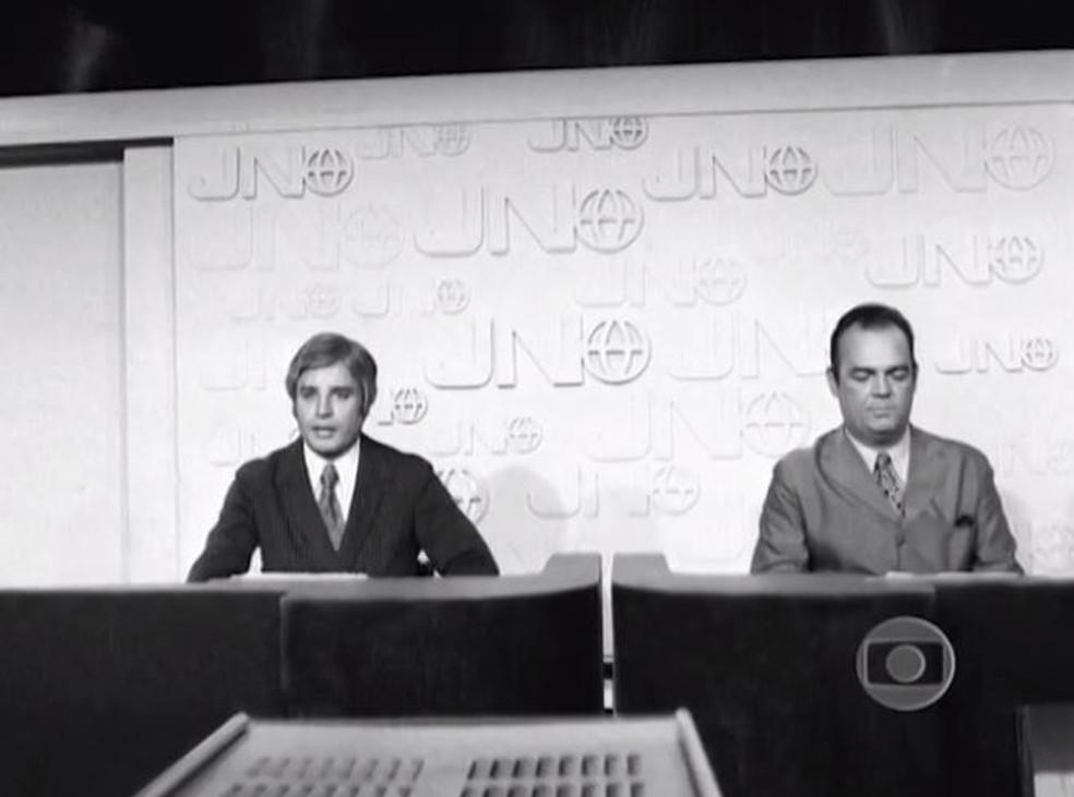 Cid Moreira e Hilton Gomes — Foto: Memória Globo