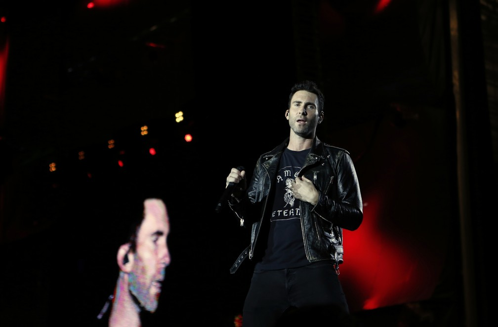 Adam Levine canta no show do Maroon 5, que substituiu Lady Gaga no primeiro dia do Rock in Rio 2017 (Foto: Marcos Serra Lima/G1)