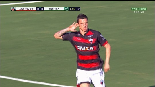 "Emocionado, Renato Kayzer comemora gol na volta ao Antônio Accioly: ""Orgulho"""